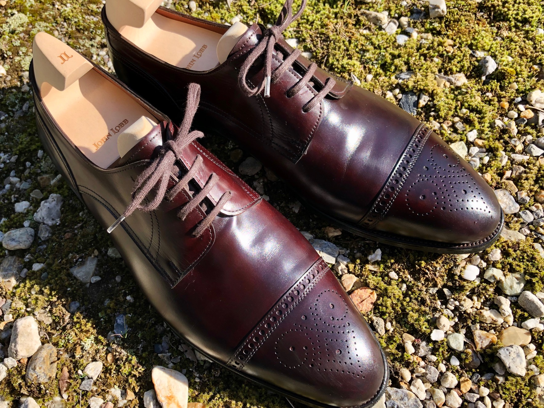 革靴 染め替え ジョンロブ