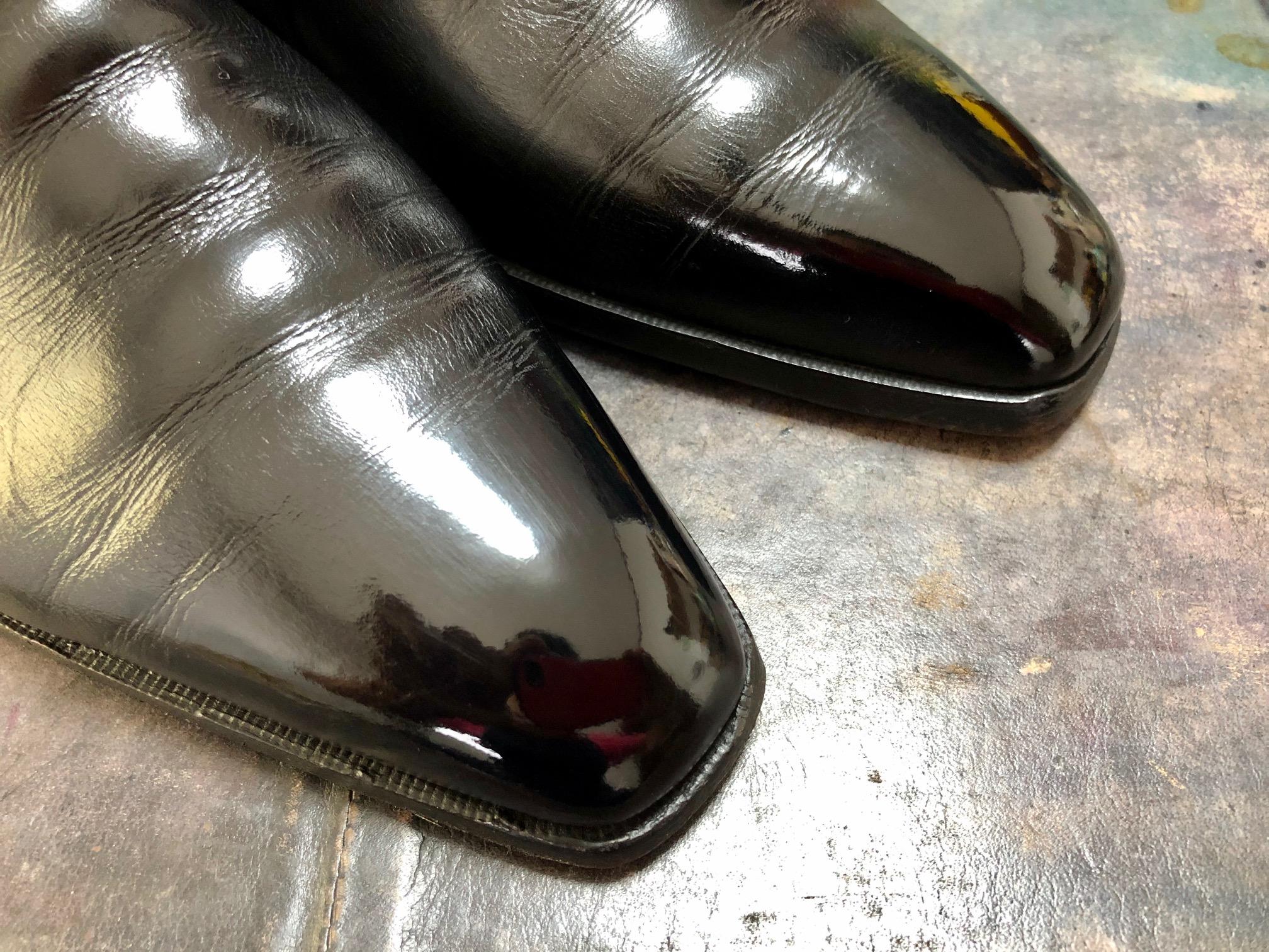 ベルルッティ 靴 鏡面磨き